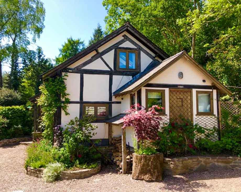 Alpine-Cottage-Couples-Meditation-Yoga-Retreat-Llethrau-1-2