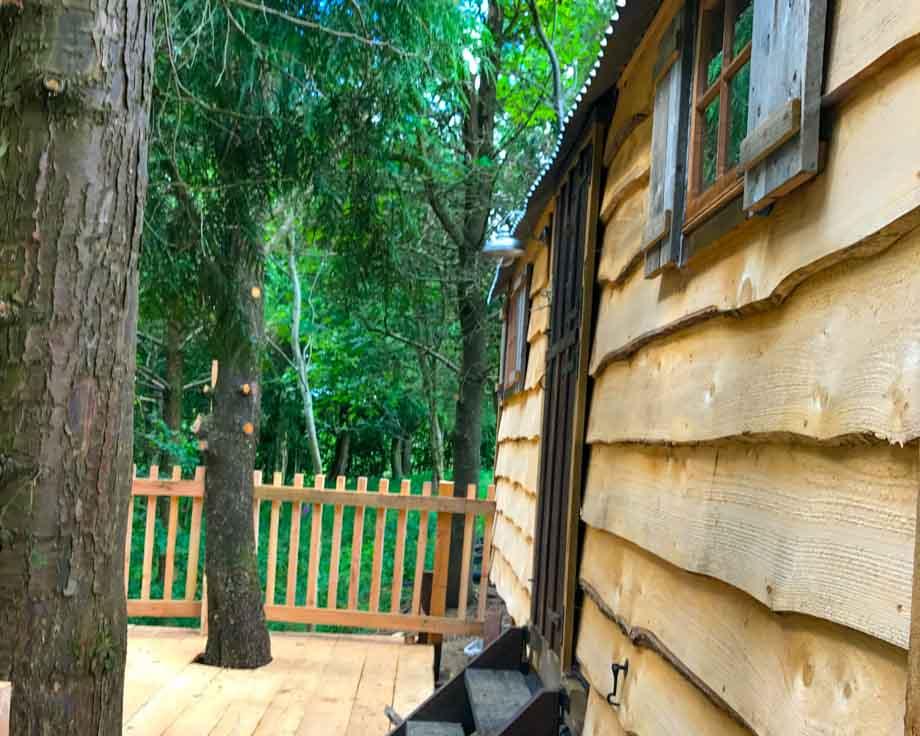 Cowboy-Hut-Couples-Meditation-Yoga-Retreat-Llethrau-10