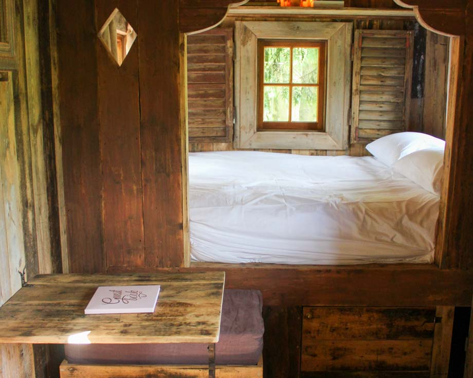 Cowboy-Hut-Couples-Meditation-Yoga-Retreat-Llethrau-6