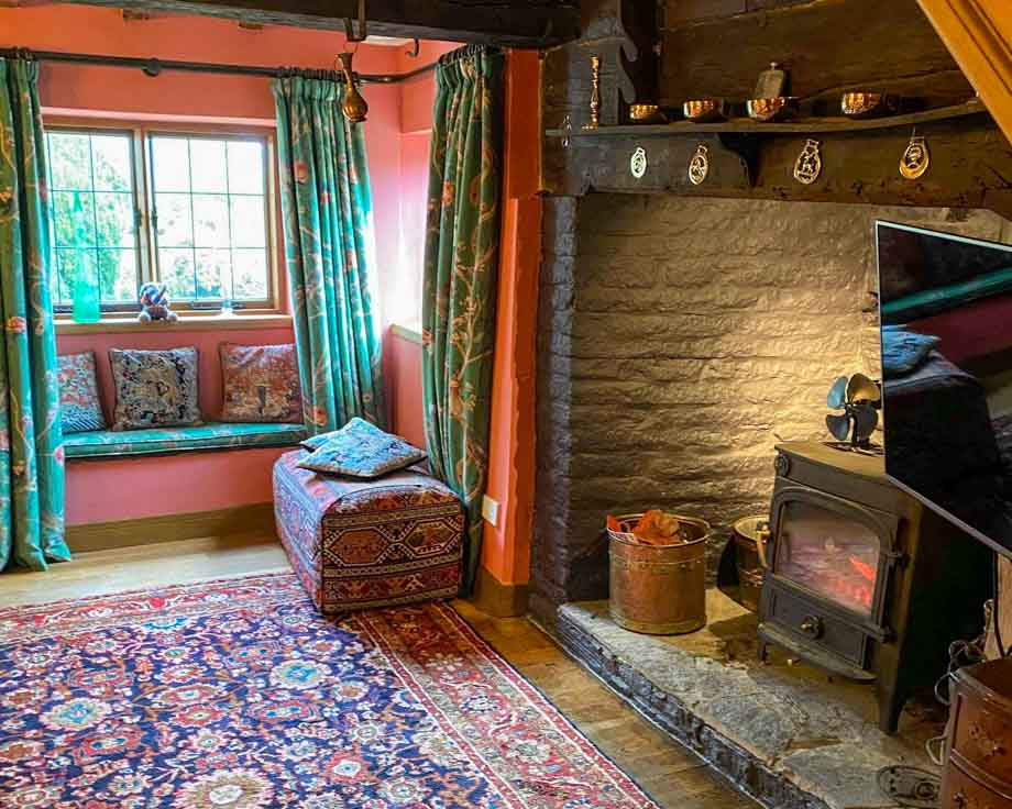 Farm-House-Cottage-Couples-Meditation-Yoga-Retreat-Llethrau-4