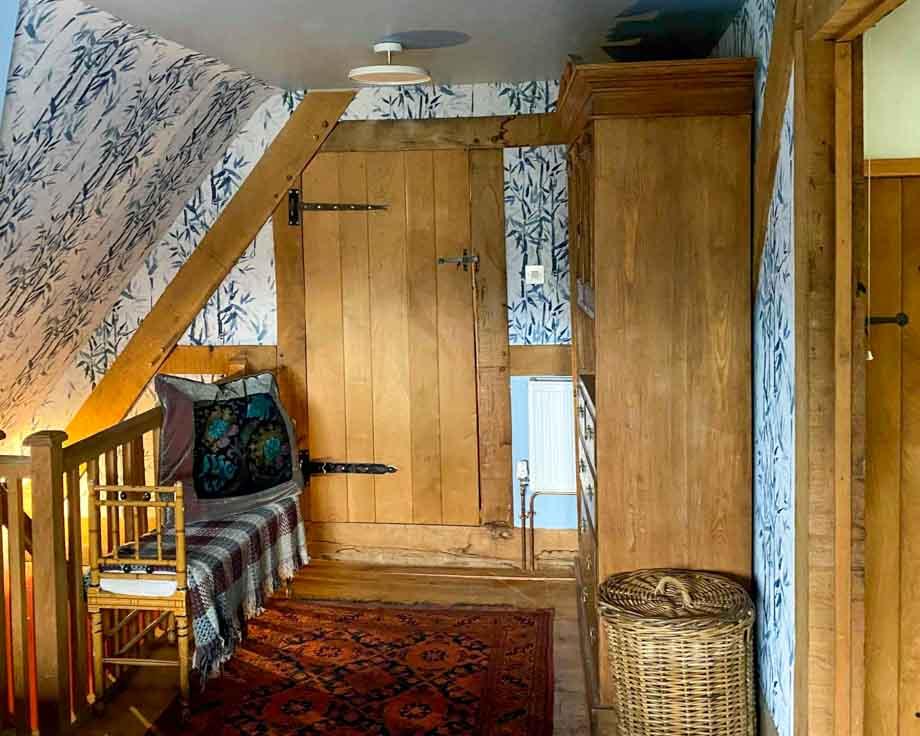 Farm-House-Cottage-Couples-Meditation-Yoga-Retreat-Llethrau-8